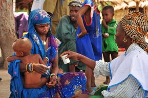 Polio vaccination in Chad, 2014