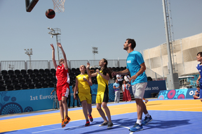 The Ambassador meets and plays with 15 boys and girls at the Basketball Arena